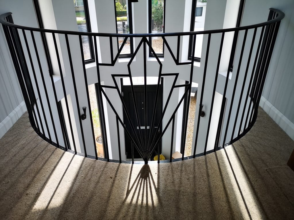 Art Deco Galleried landing staircase handrail installed by www.qualitystaircases.co.uk UK lincolnshire